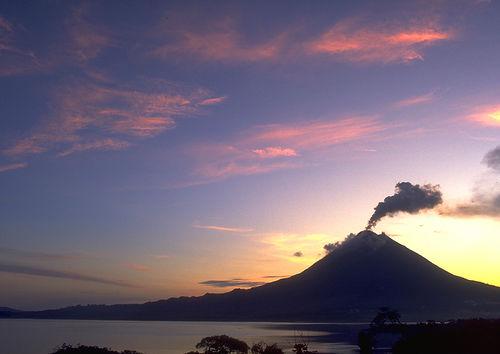 volcano, arenal volcano national park, costa rica, volcano