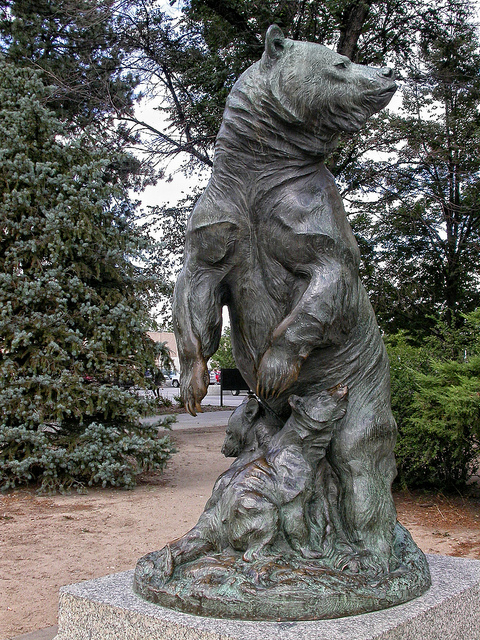 denver city park, grizzly bear statue, denver, denver colorado